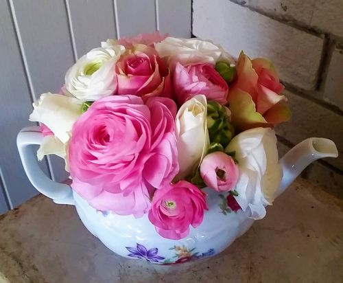 Kitchen Tea Flowers